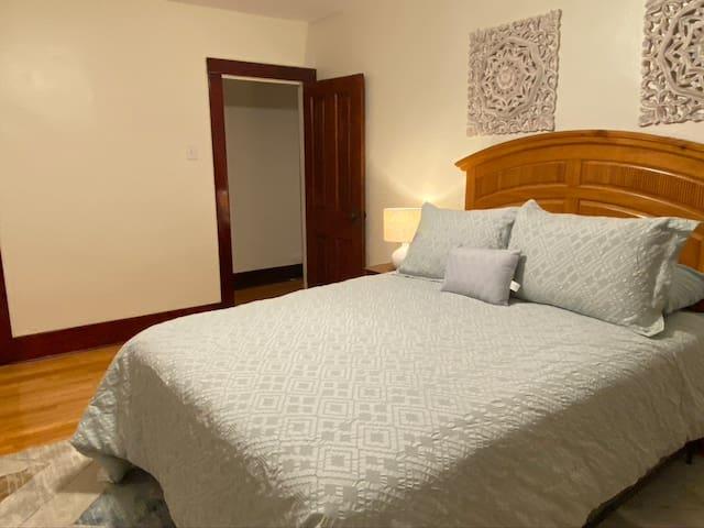 Bedroom 3 Upstairs - Queen Bed
