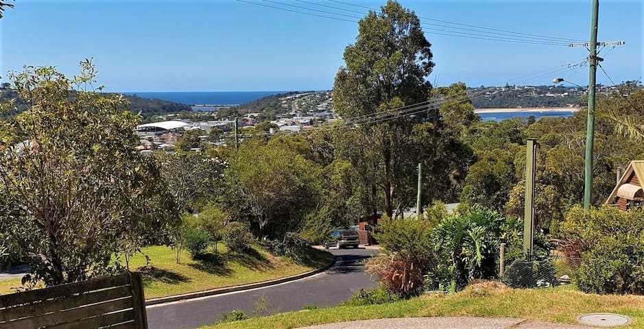 Trees to Ocean & Lake View over Merimbula B&B incl