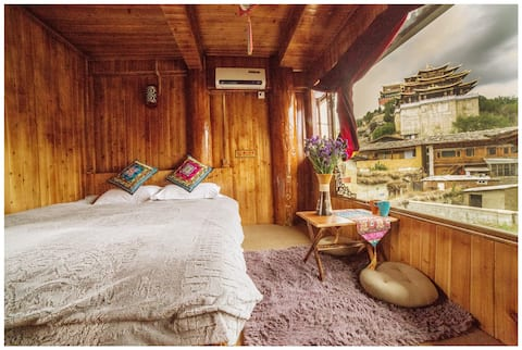 Tibetan Woody Double Room with View free pick-up