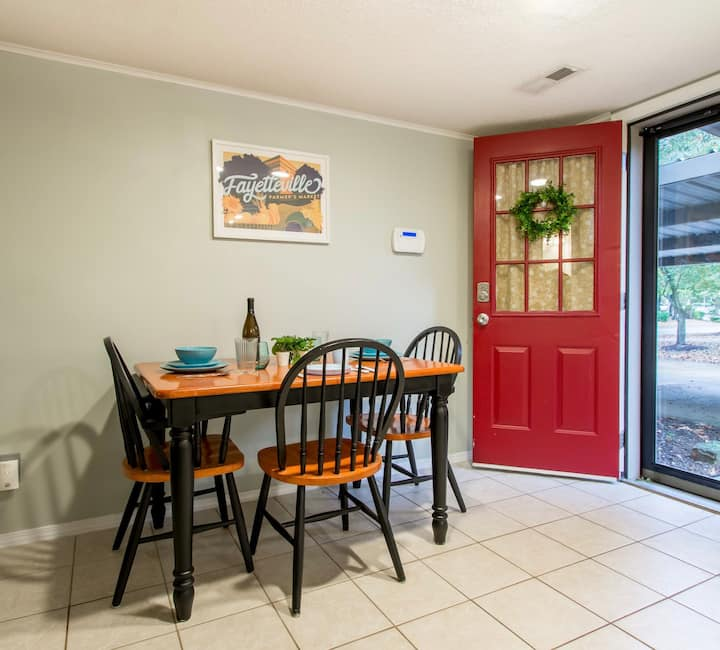 NWA NEARBY NOOK in East Fay! Cook/Relax/Explore AR