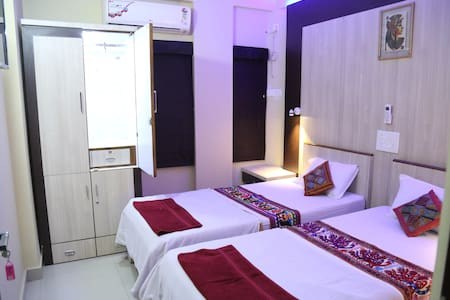 Ruby Nest,AC room for 2,Travelers treasure,Nagpur - shirpurkars house,Nagpur - Lägenhet
