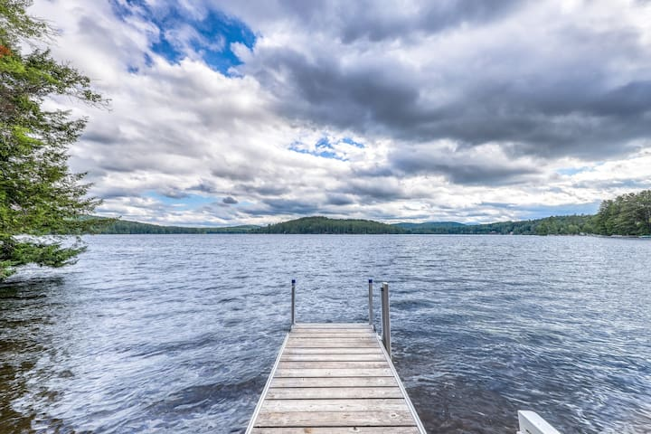 NEW LISTING! Lakefront cabin with beautiful views, lake and beach access