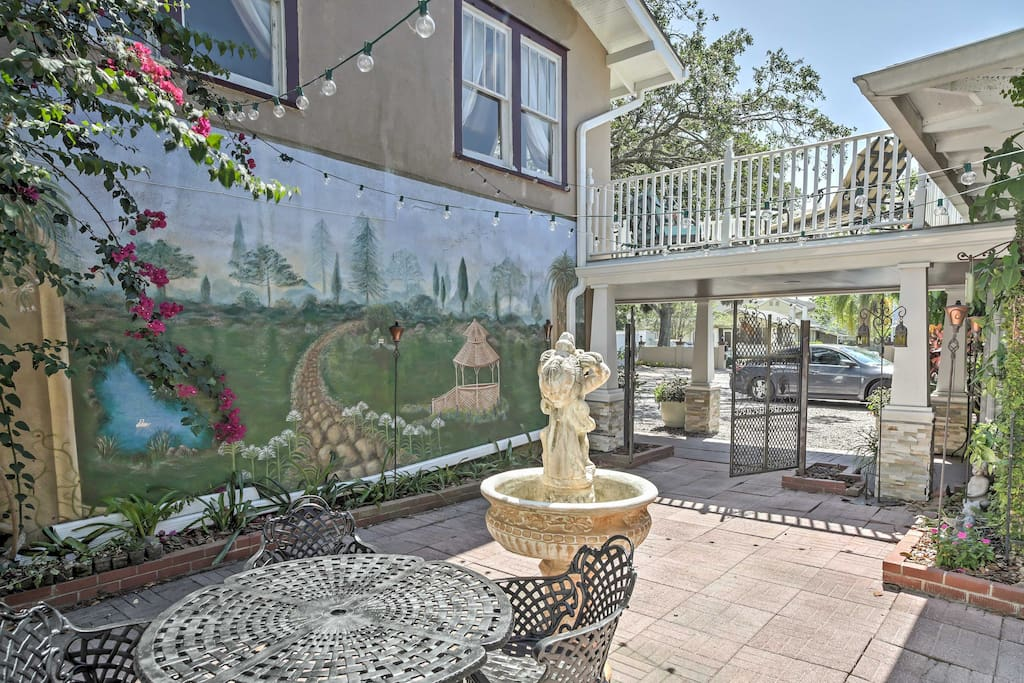 Just outside of your front door, you'll find a courtyard with a fountain.