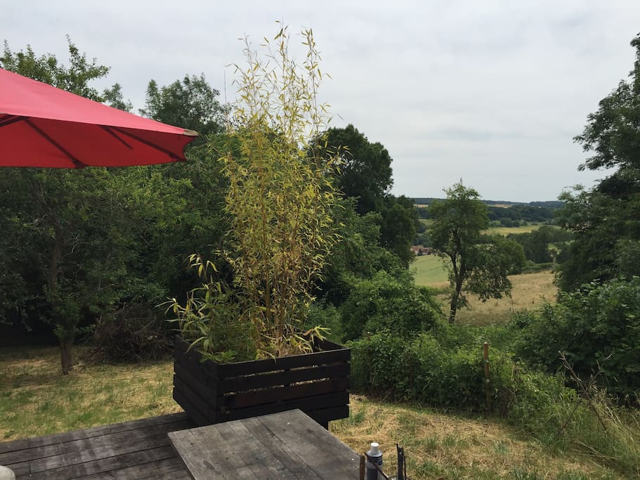 Un terrasse avec vue sur la vallée...