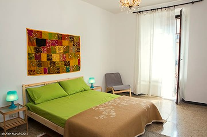 nice and large flat near centre and metro - Milano - Apartment