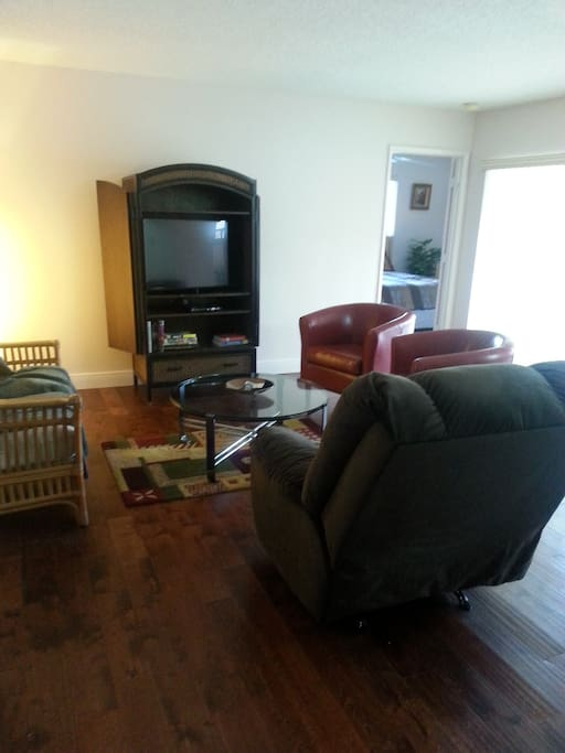 Flat screen and recliner