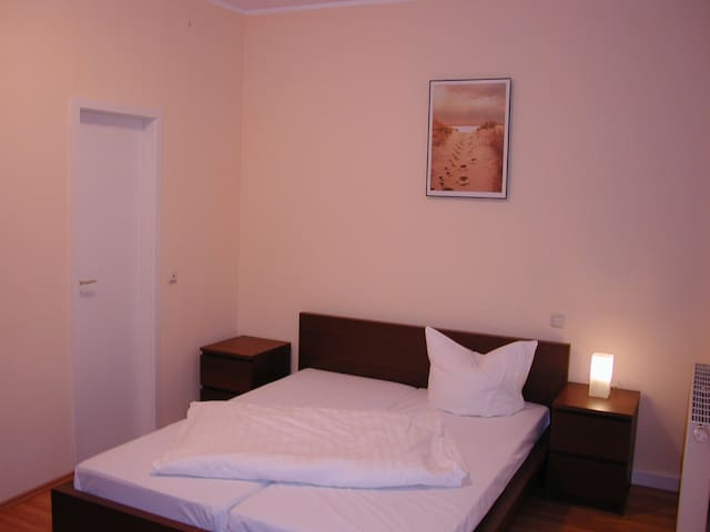 Schönes Zimmer in der Pension Central  (Zi 21)