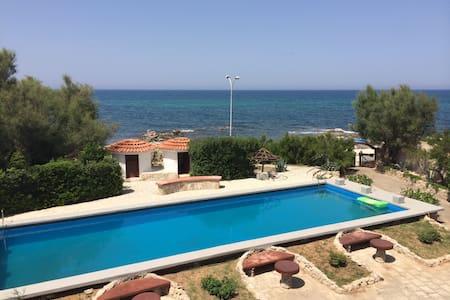 Villa al Mare in Contrada Padovana - Mola di Bari