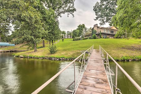 Lakefront Hot Springs Home w/Hot Tub & Dock!