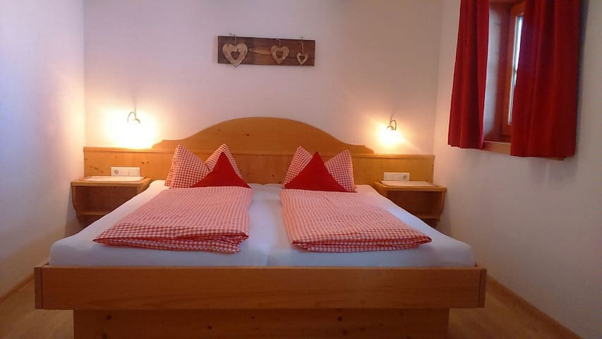 Schlafzimmer aus Vollholz