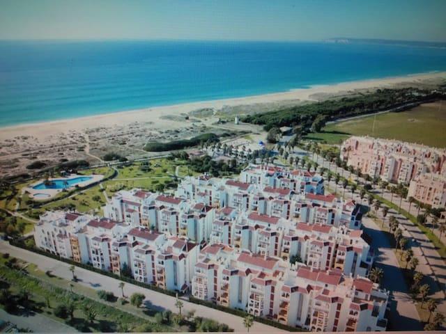 ..del apartamento a la playa....