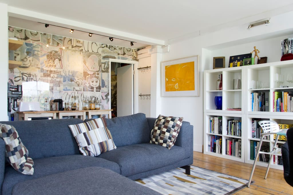 Living Space and Breakfast Bar