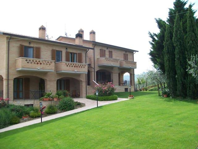 B&B La Collina del Sagrantino - Montefalco - Lägenhet