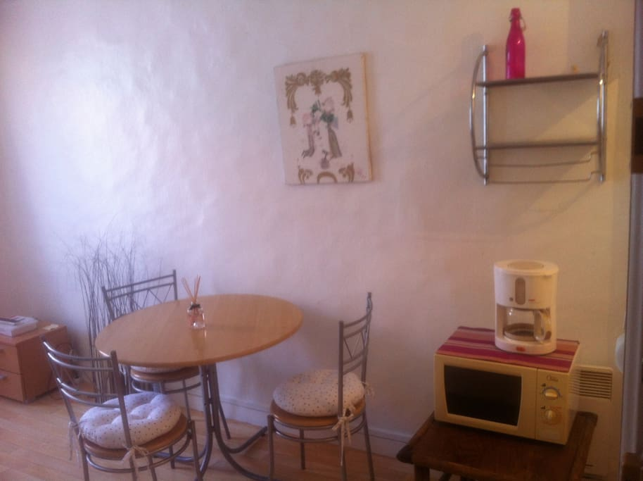 renewed ideal location wifi flats for rent in la rochelle poitou charentes france. Black Bedroom Furniture Sets. Home Design Ideas