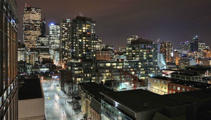 One bedroom penthouse apartment - Toronto - Appartement