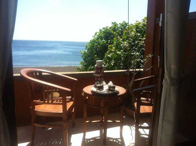 Tejo Amed Homestay, amazing view, 2 - Karangasem Regency - Bed & Breakfast