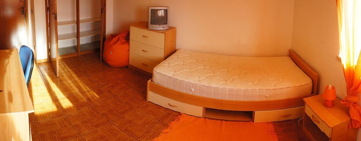 Room near camping - Coimbra - Appartement