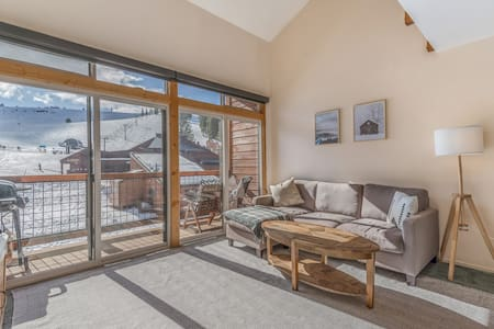Tahoe-Donner Condo on Ski Hill