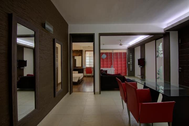 · Comfortable 2bhk on Residency road, Bangalore ·