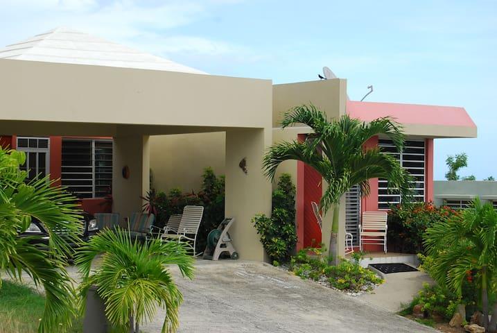 Getaway Beach House Ocean View - Lajas - Huis