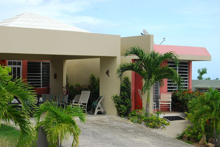Getaway Beach House Ocean View - Lajas - Casa