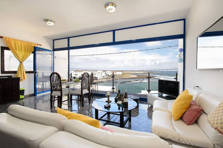 Vacation Apartment in Great Location with Wi-Fi, Balcony & Magnificent View