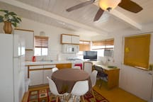 Large Beach Studio with Spa and Ocean View Deck
