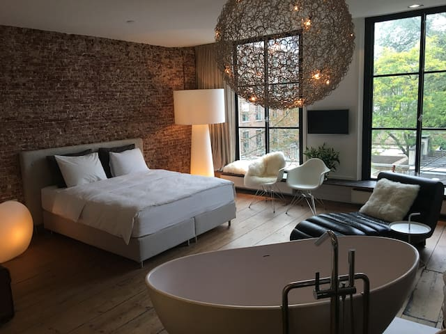 Luxurious private suite City center of Amsterdam