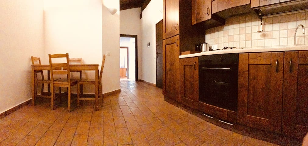 Immaculate 2 bedroom in Terracina old town