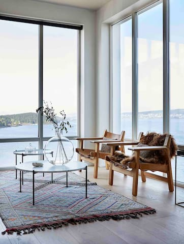 My favorite place in the house, it's great view and sunset from here. You also have great view to the fireplace from these chairs