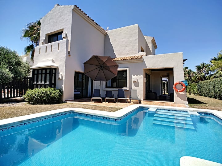 Villa, private pool, wifi, parking