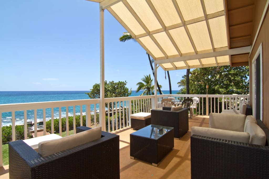Furnished Lanai overlooking the ocean