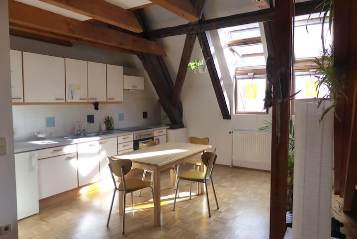 Sunny maisonette, cosy & wifi, 75m²