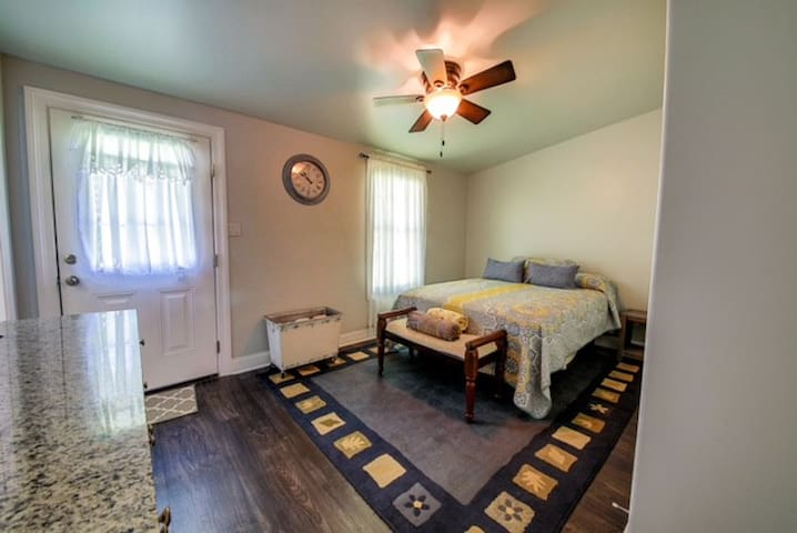 Master bedroom awaits you with large TV with apps available to relax, as well as large closet for clothes and other items !