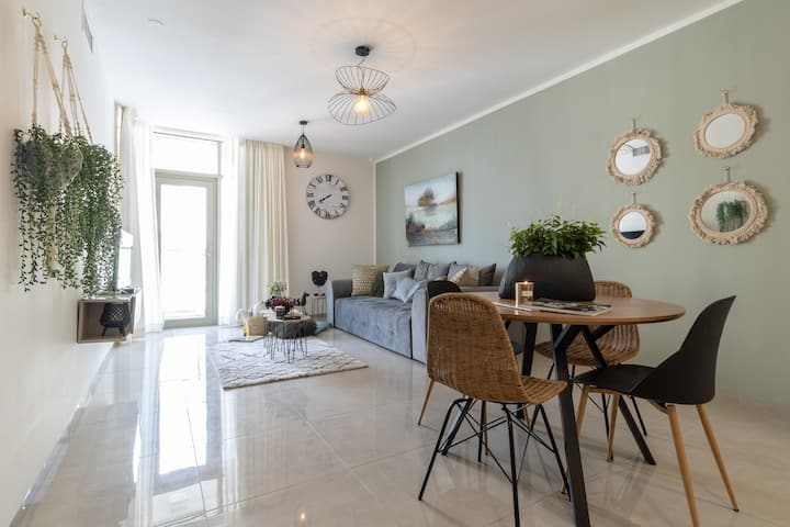 Magical Apartment/Parking/Terrace in city center