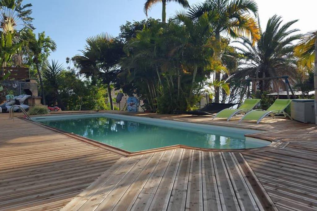 Bungalow meubl e acc s piscine appartements louer for Saint paul piscine