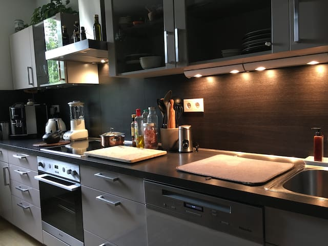LUXURY ROOM/HANNOVER/CLOSE TRAIN STATION - Gehrden - Bed & Breakfast