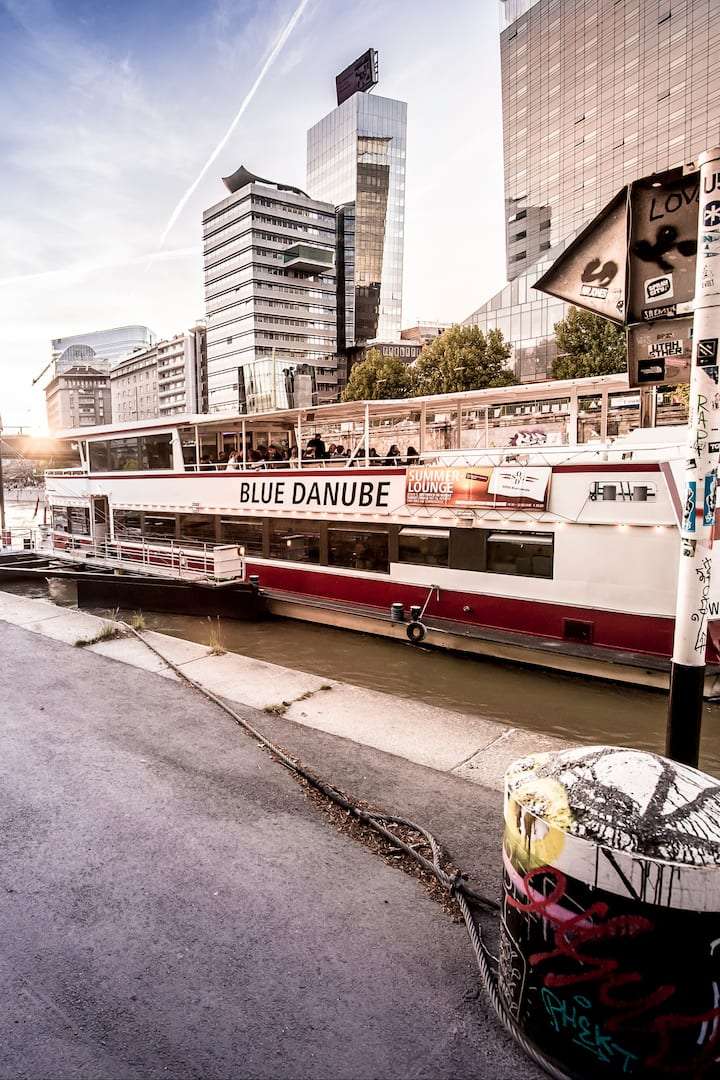 Your ride along the canal