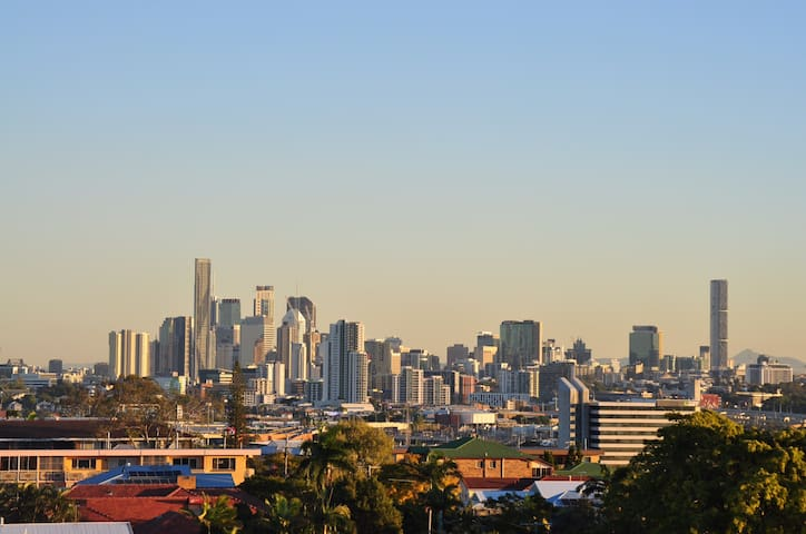 Brisbane - close to airport and City CBD