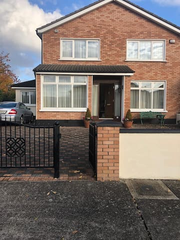 Lovely family home in Mount Merrion available