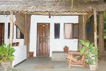 Double Room Share Toilet & Shower - Kalpitiya