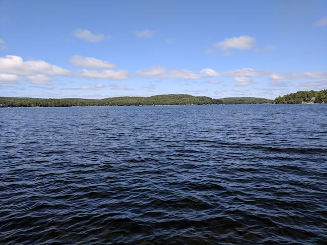 Lakefront loft near Minden