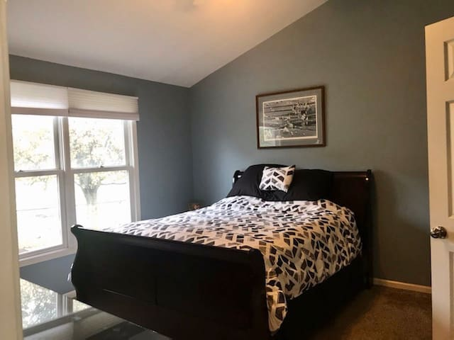 Cozy Williamsville Condo