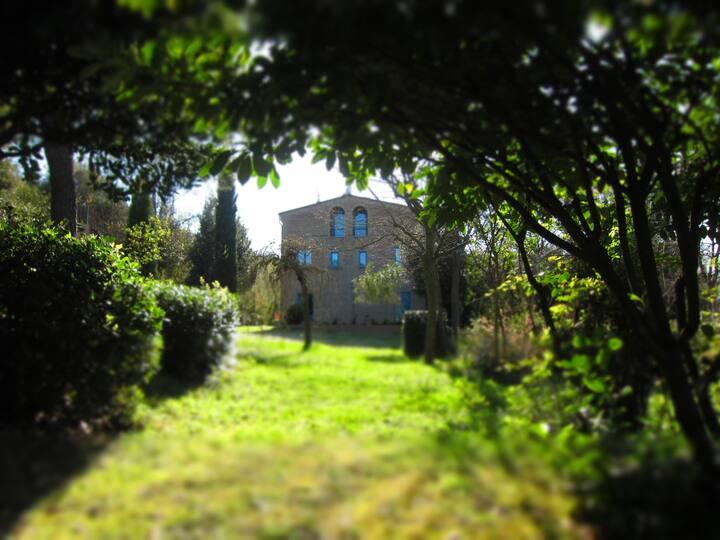 Intera Villa con parco