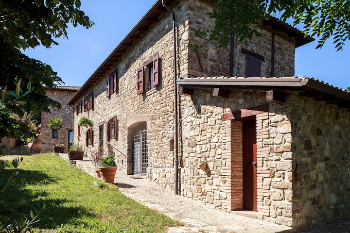 House in the country, near Bologna - Savigno - บ้าน