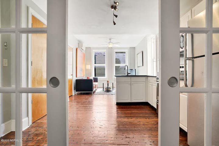 Gorgeous Front Street Escape with New Updates!