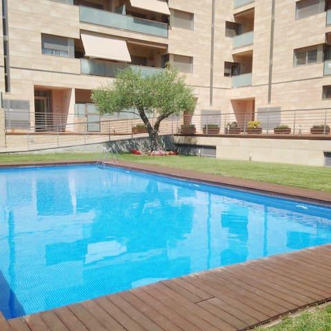 Calella con piscina a 20m mar  4p + - Calella - Leilighet