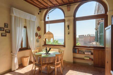 Casa del Conte, Farnetella - Farnetella