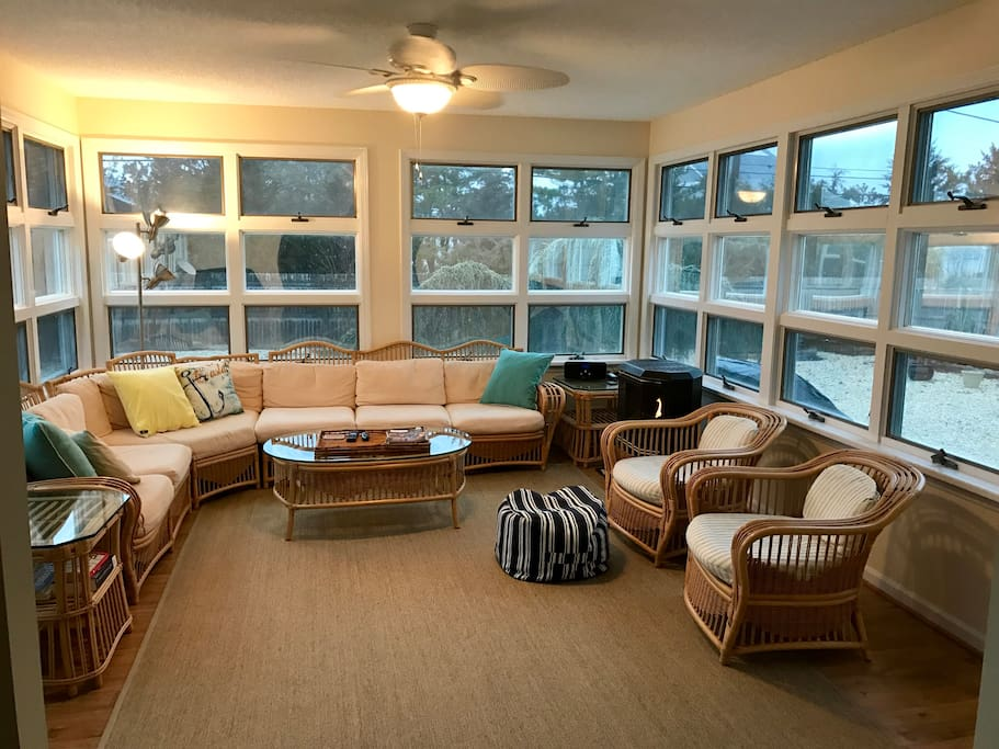 Sun room - perfect place to gather. TV with cable channels.