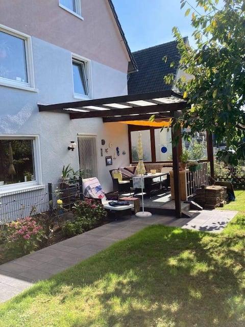 Convenient Garden Apartment